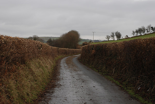 Minor road running south of the Afon Rheidol