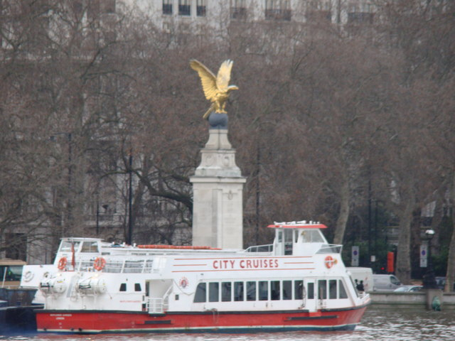 City Cruises and the War Memorial from Westminster Bridge