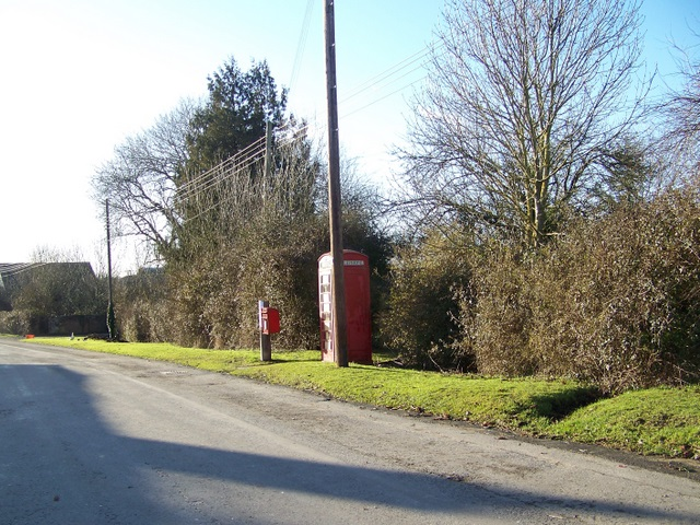 Village street, Upper Inglesham