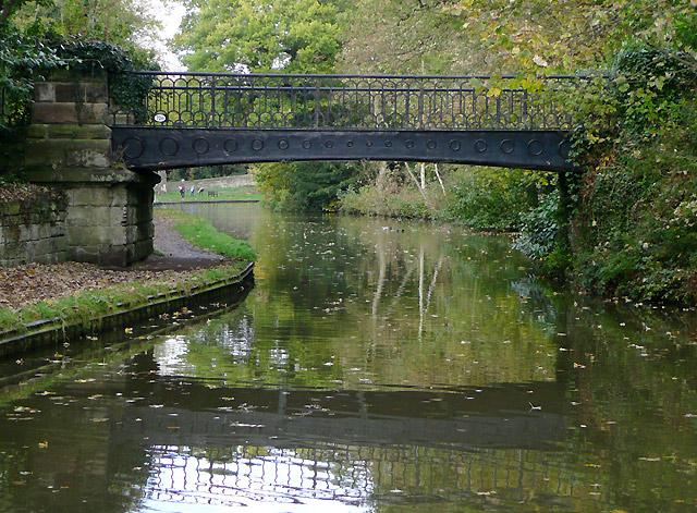 Iron bridge (No 72A) at Great Haywood, Staffordshire