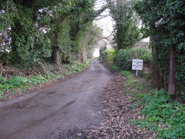 Bridleway and private road to Whitebeams