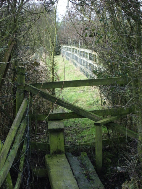 Stile and bridge close to Hillmorton Lane