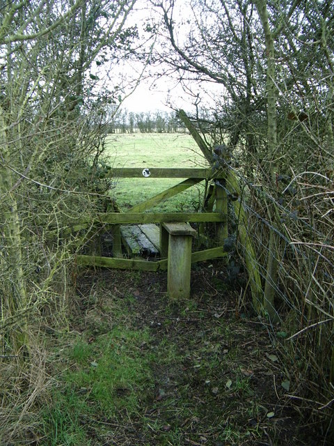 Stile and footpath from Hillmorton Lane