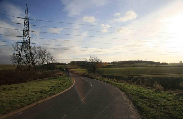 Pylons cross the Kneesall road