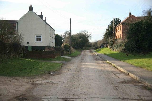 Laxton  village no through road