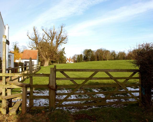 Footpath in Bishop Burton