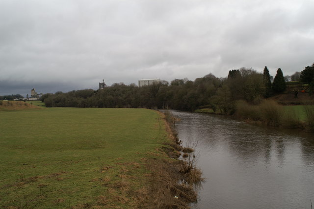 Looking upstream on the Ribble from the side of Brungerley Bridge