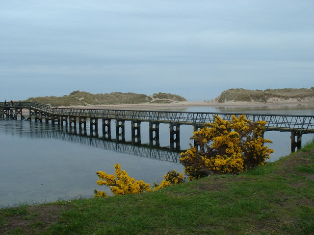 Footbridge to East Beach