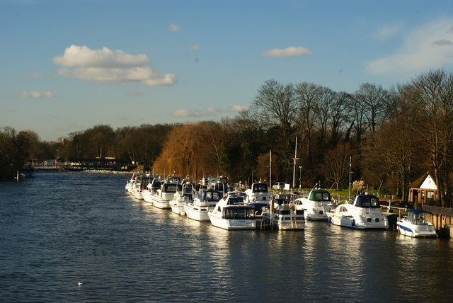 River Thames From Hampton Court Bridge