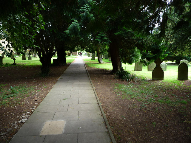 Churchyard of St Lawrence, Lechlade