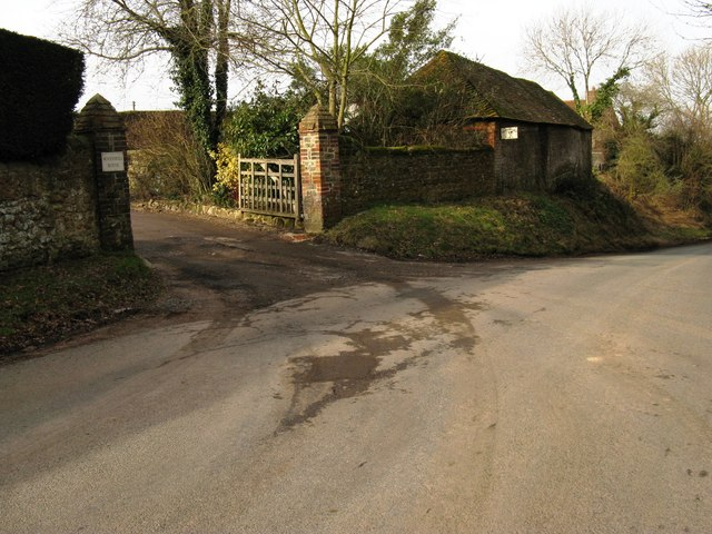 Entrance to Woodshill House and Woodshill Farm