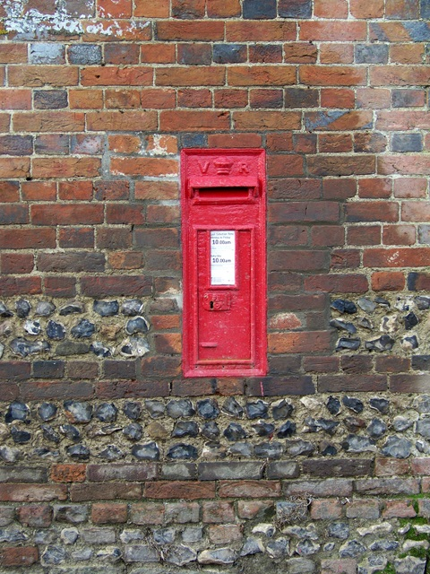 Postbox, Tarrant Launceston