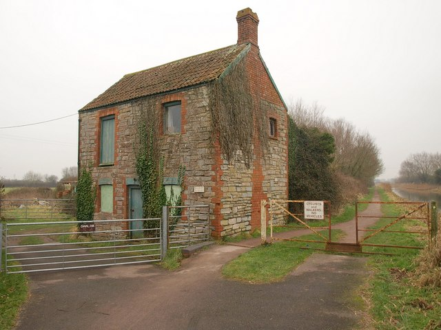 Canalside building, Huntworth