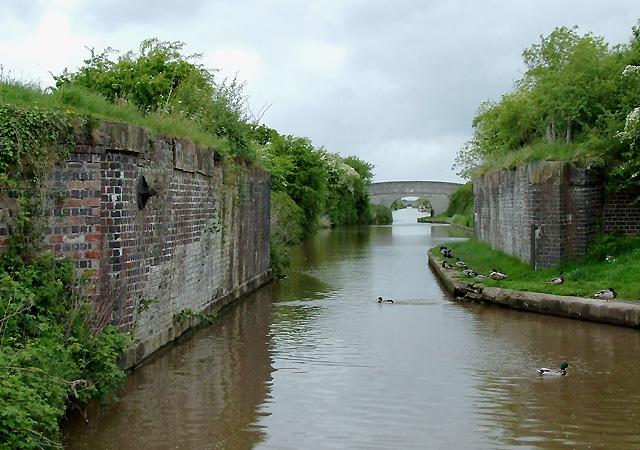 Shropshire Union Canal - old railway crossing