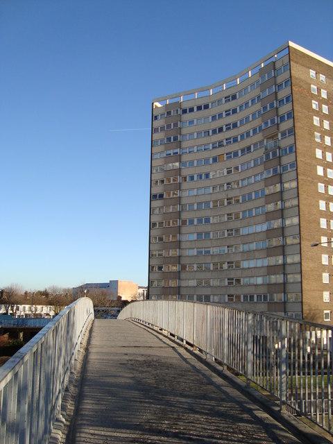 Footbridge over the A13, Queensway