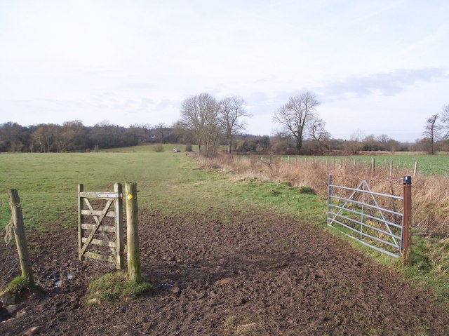 Gates on a bridleway to Oakfield