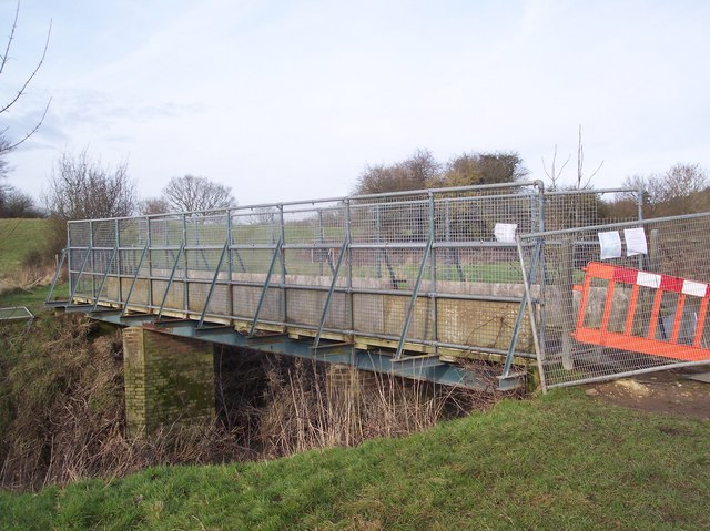 Bridleway bridge over the River Medway