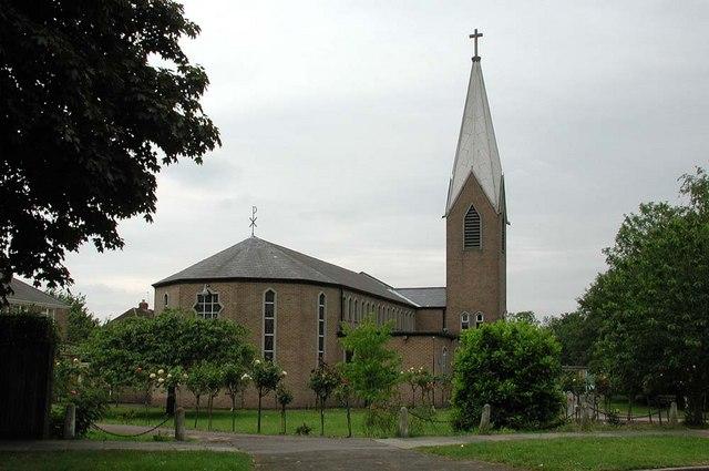 St Andrew, Malvern Avenue, Harrow