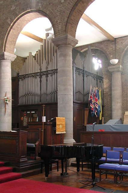 St Anselm, Uppingham Avenue, Belmont - Organ