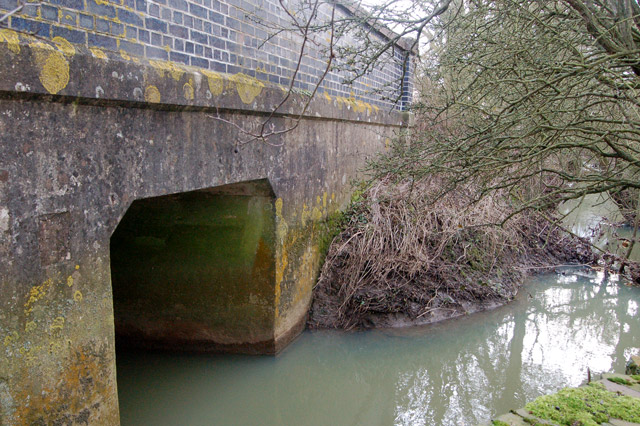 Rains Brook flowing under Wolscott Bridge near Dunchurch