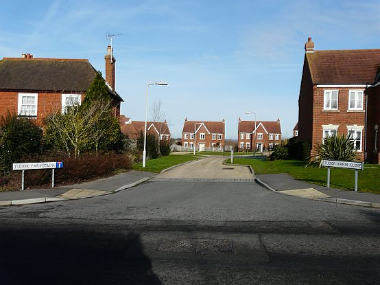 Tudor Farm Close, Kingsnorth