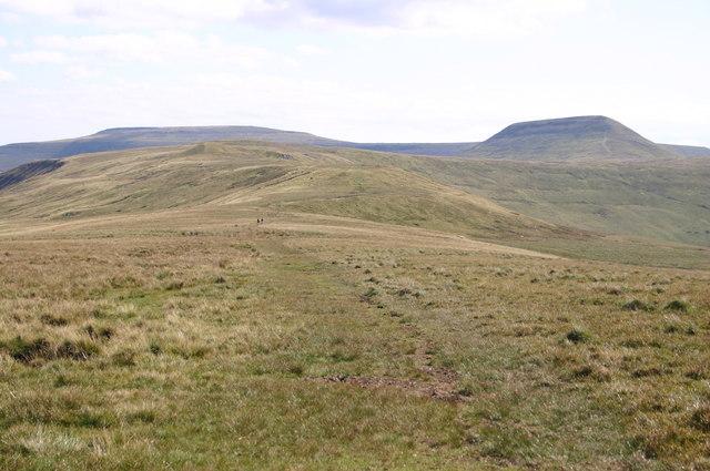 Path heading to Pen Twyn Glas