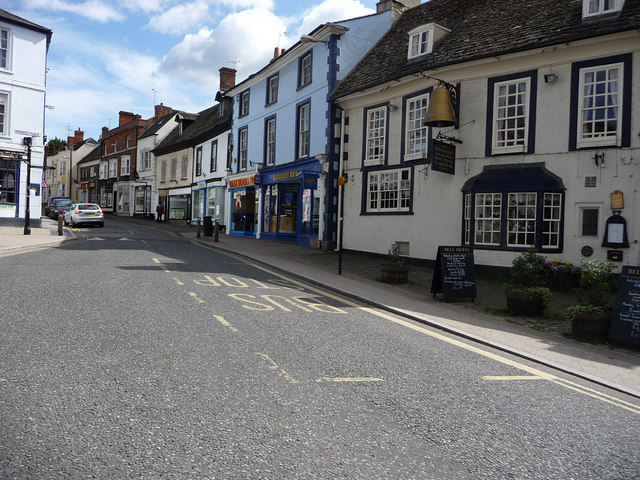 Looking up London Street from the Market Place, Faringdon