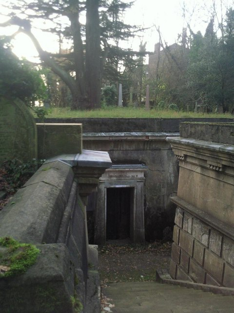 Highgate Cemetery - The Circle of Lebanon
