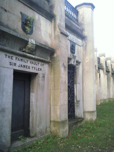 Highgate Cemetery catacombs