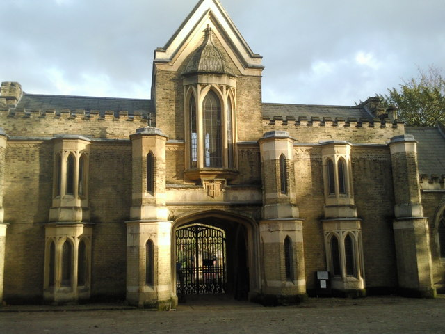 Entrance to Highgate West Cemetery