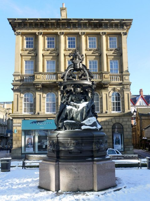 Statue of Queen Victoria, St Nicholas' Square