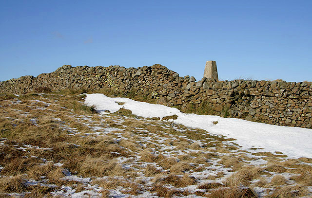A triangulation pillar at 346m