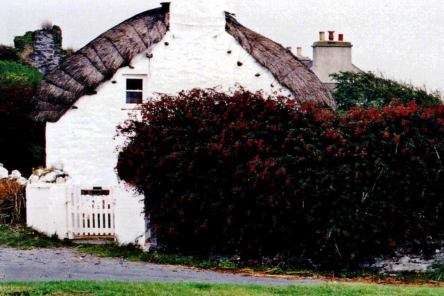 Cregneash Village - Thatched cottage residence