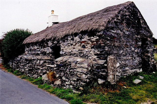 Cregneash Village - Lane and thatched building
