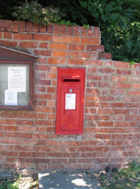 Letter Box MK16 144 at Broughton