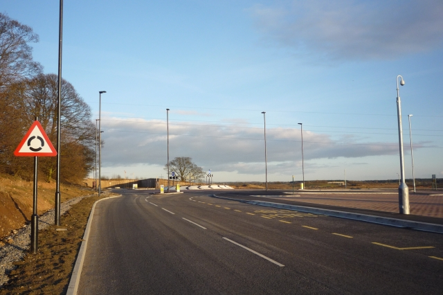 Road along the northern edge of Hes East