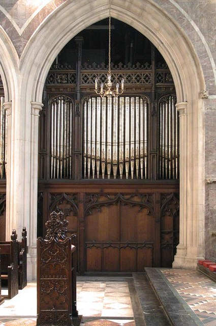 St James the Less, Sussex Gardens, London W2 - Organ