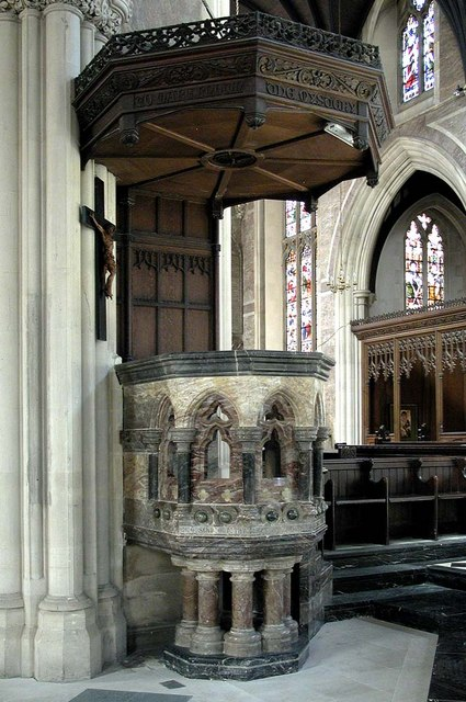 St James the Less, Sussex Gardens, London W2 - Pulpit