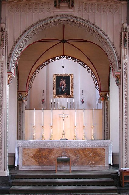 St Mary, Kenton Road, Harrow - Sanctuary