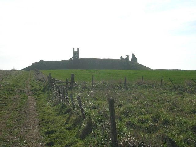 Footpath to Dunstanburgh Castle