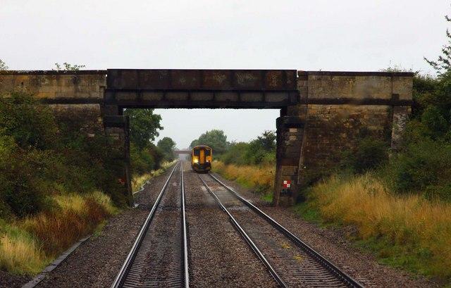 Bridge carrying a bridleway near Fiddington