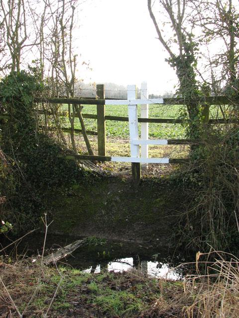 Oil pipeline marker beside Mill Road
