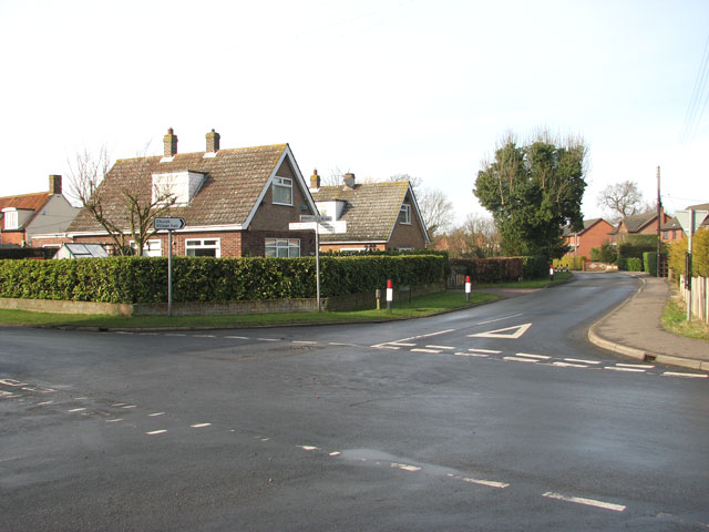 Junction of School Lane and Mill Road
