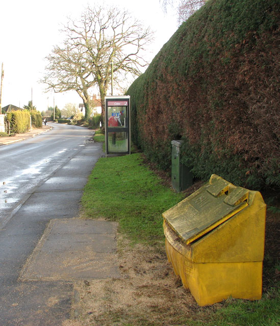 Grit bin in School Lane