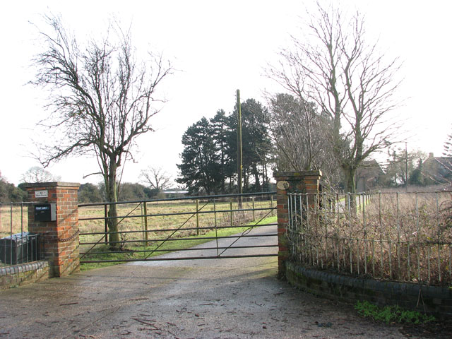 Entrance to Elm Farm