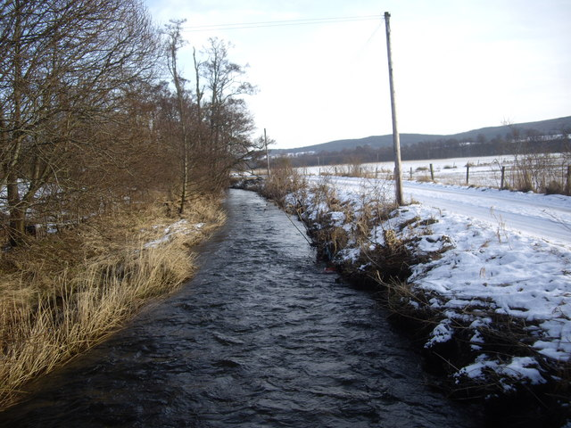 Tarland Burn in winter (2)