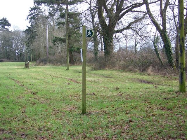 Footpath sign, Bloxworth