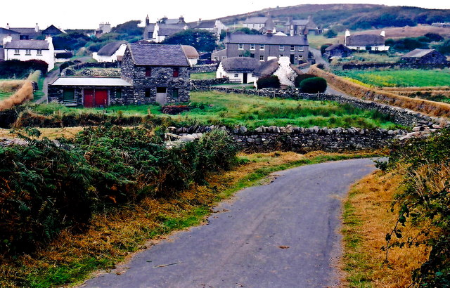 Cregneash Village - Lane south of village to fields