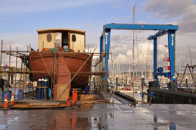 Boat hoist and work in progress, Mount Batten - Plymouth