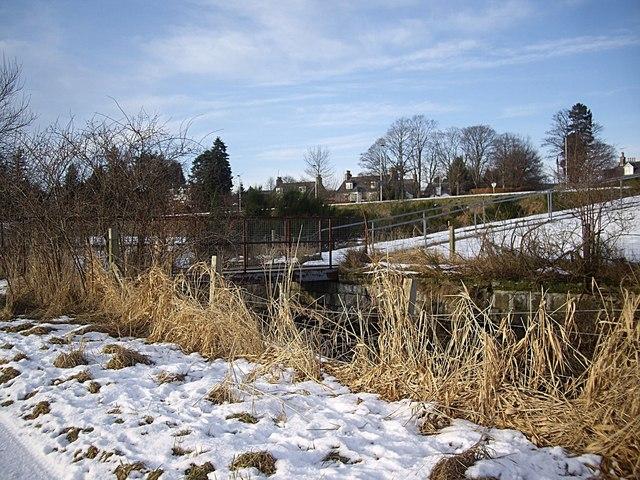 A footbridge that has replaced the former rail bridge